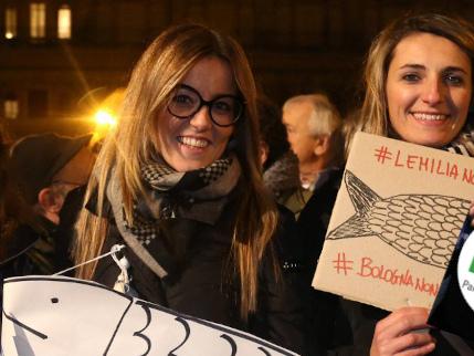 """Sardine, l'assessore in giunta col Pd sui leghisti: """"Delinquenti prestati alla politica"""""""