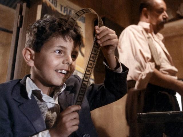 Nuovo Cinema Paradiso: 30 anni fa l'Oscar al capolavoro di Giuseppe Tornatore [Throwback Thursday]