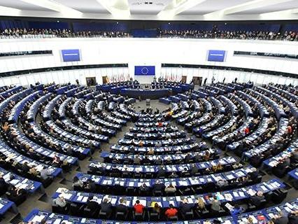 Cambiamenti climatici: accordo Ue su nuove regole per determinare quali investimenti sono davvero ecologici