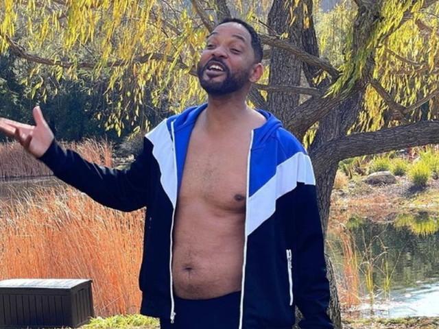 """Will Smith in mutande mostra la pancetta: """"Il peggior fisico della mia vita"""""""