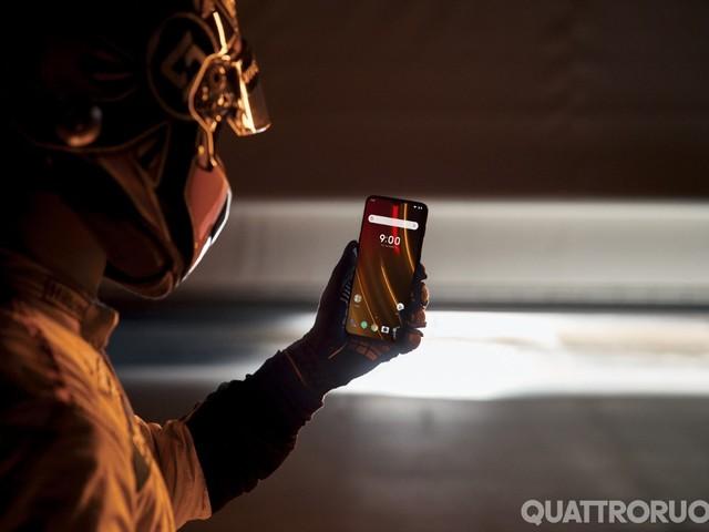 OnePlus 6T McLaren Edition - Uno smartphone avvia la partnership con Woking