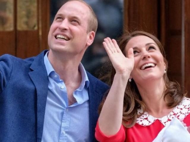 Nasce il terzo figlio di William mentre Charles comincia - forse - a comandare