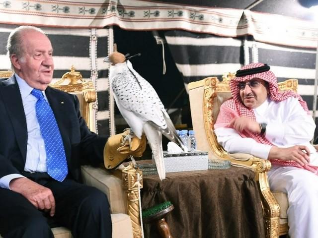 Il Re di Spagna Juan Carlos è diventato ricco vendendo armi alle monarchie arabe