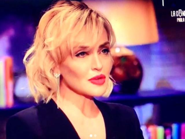 """Paola Barale attacca Alfonso Signorini:""""Ci vuole coerenza.."""" [FOTO]"""