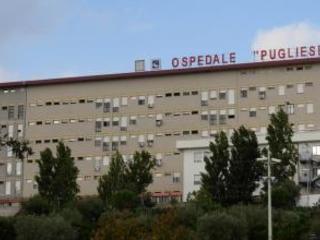 Notte di follia all'ospedale Pugliese di Catanzaro Pestati da un paziente un infermiere e un operatore