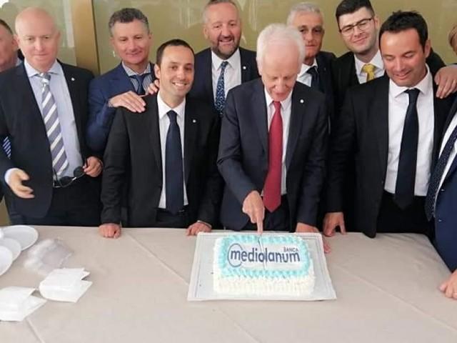 Macerata, taglio del nastro per la nuova sede della Banca Mediolanum (FOTO)