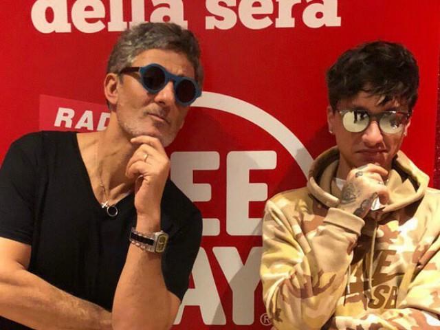 Sanremo 2019, Ultimo da Fiorello sdrammatizza: dedica una canzone ai giornalisti
