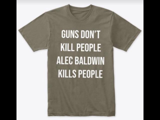 """Il figlio di Donald Trump vende magliette con la scritta """"Baldwin uccide"""""""