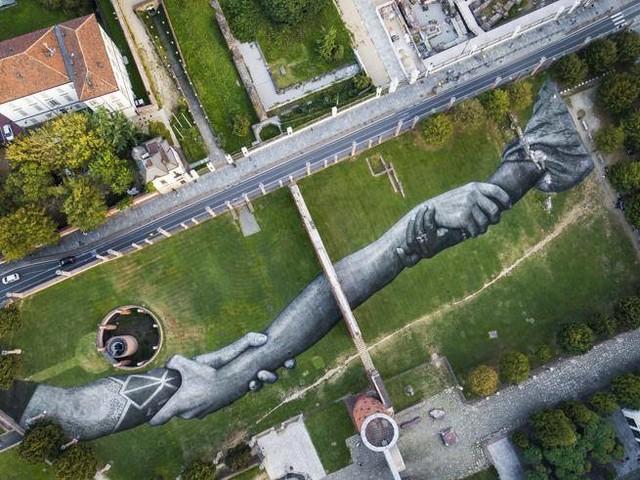 A Torino sbarcano i giganti di Saype