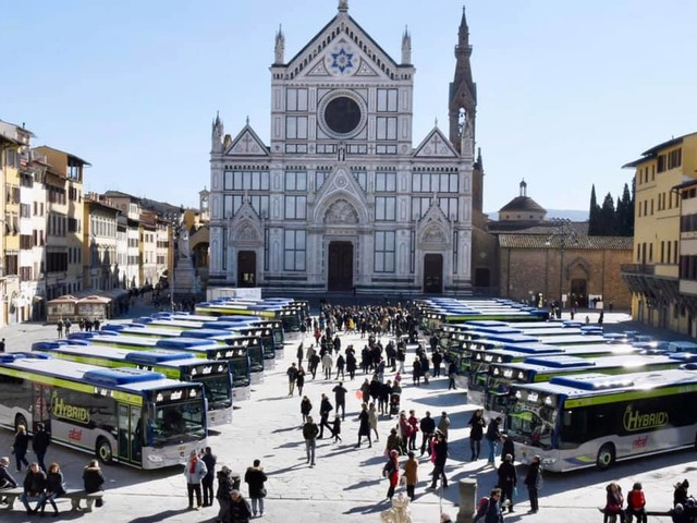 A Firenze 12 nuovi bus ibridi