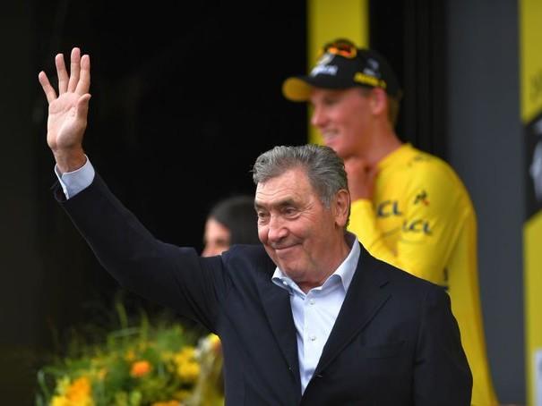 Paura per Eddy Merckx, ricoverato in ospedale dopo una caduta in bicicletta