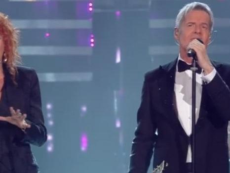 Classe ed eleganza con Fiorella Mannoia a Sanremo 2019 tra il duetto con Baglioni e il nuovo singolo da Personale (video)