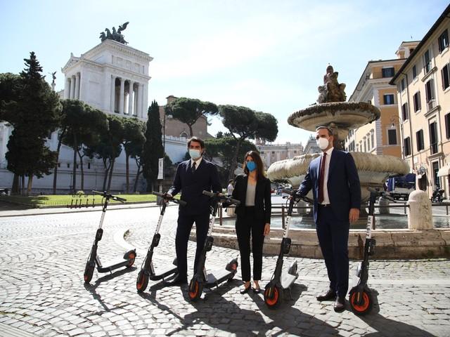 Helbiz e Vox lanciano un nuovo servizio per scoprire le bellezze di Roma