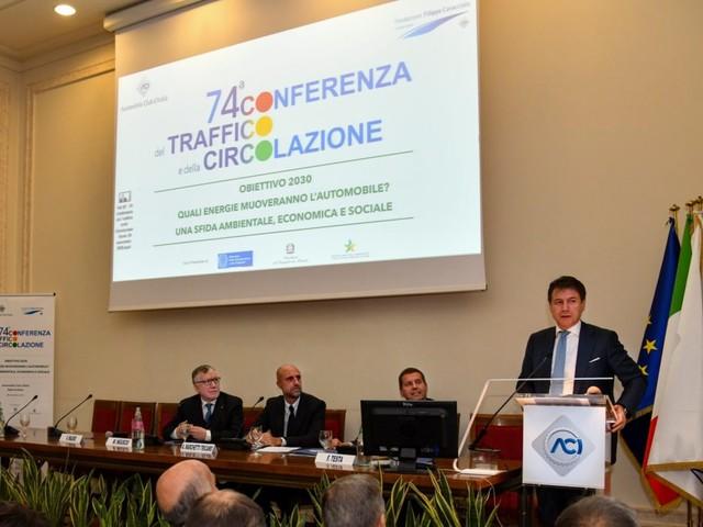 Trasporti e CO2, ecco come cambierà il parco auto italiano nei prossimi 10 anni