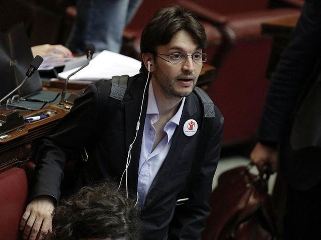 «Io, disabile, sono stato umiliato dal M5S»: il deputato Matteo Dall'Osso passa a Forza Italia