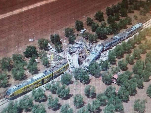 Disastro ferroviario Andria-Corato: chiusa l'inchiesta, 19 indagati L'incidente 17 mesi fa, morirono 23 persone nello scontro fra due treni sul binario unico