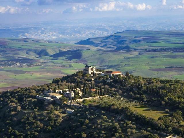 Israele tra bellezze di natura, vini kosher e luoghi sorprendenti