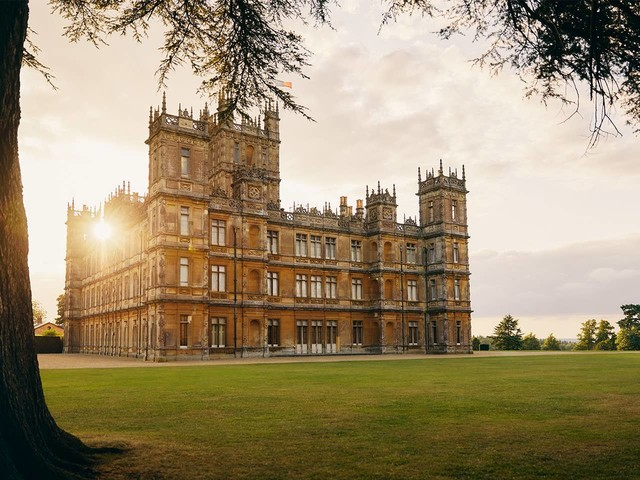Downton Abbey, prenota su Airbnb una notta al Highclere Castle in occasione dell'uscita del film