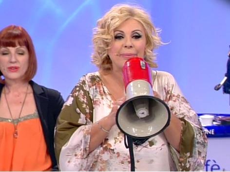 """Uomini e Donne, Tina Cipollari: """"Gemma lo zerbino d'Italia, Giorgio persona onesta"""""""