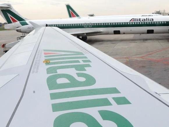 Sciopero Alitalia, il 9 ottobre cancellati 198 voli. Le istruzioni per chi viaggia