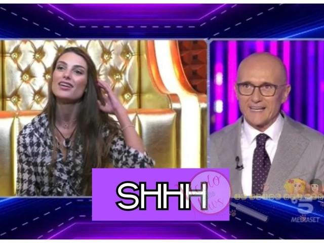 'Grande Fratello Vip' Alfonso Signorini aspramente criticato dal web per aver azzittito maleducatamente Franceska Pepe durante la diretta si giustifica così!
