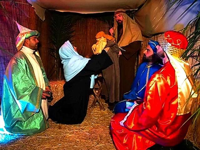 Natale è magia a Belmonte Mezzagno, presepe vivente e albero di Natale da record