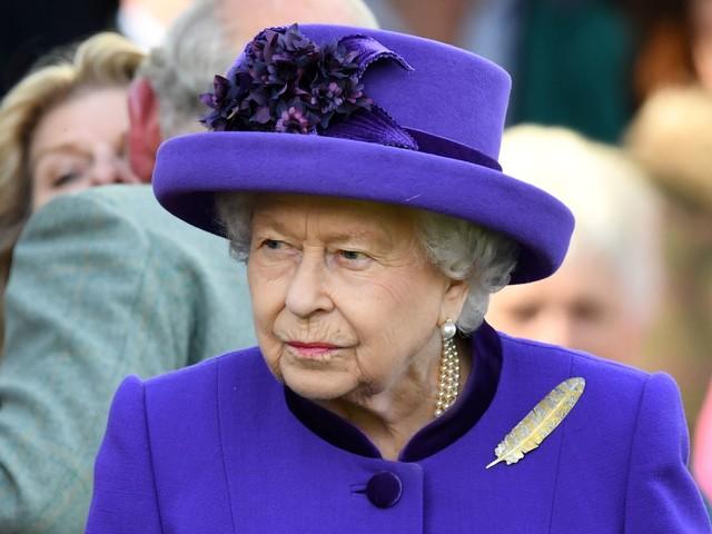 La regina Elisabetta imita gli accenti delle persone che incontra
