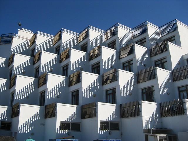 Accorpamenti immobiliari in condominio, quando e come sono consentiti?