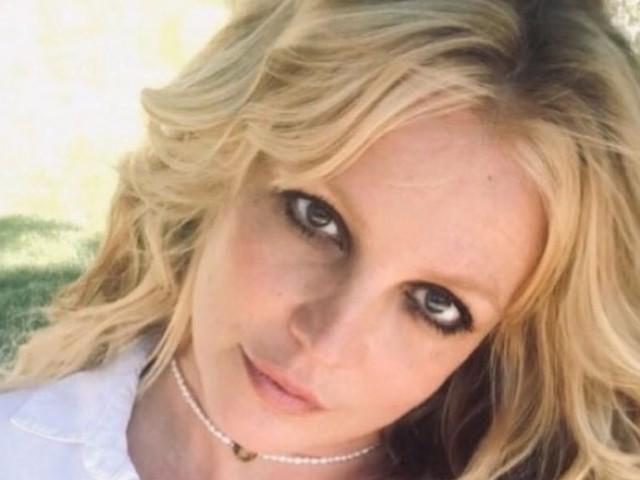 """Britney Spears torna su Instagram/ """"Ho festeggiato il mio fidanzamento, non ci credo"""""""