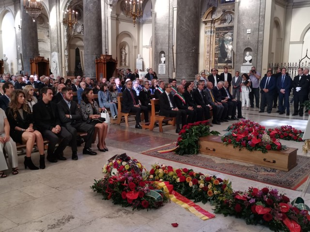 """L'addio a Sebastiano Tusa, celebrati i funerali: """"Un maestro capace di contagiare gli altri"""" (FOTO e VIDEO)"""