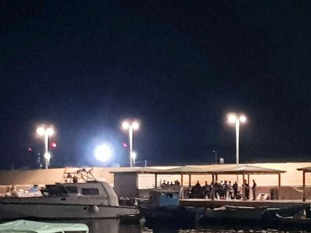 A Lampedusa più di cento migranti arrivati in una notte