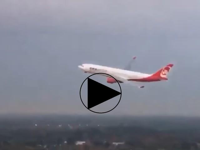 Ecco come ha celebrato un pilota l'ultimo volo Air Berlin da Miami