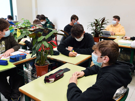 Classi in quarantena: novità Per gli under 14 scatterà a fronte di almeno 2 contagi
