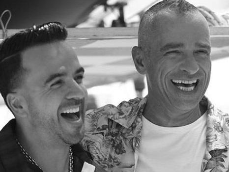 Eros Ramazzotti e Luis Fonsi, svelato il primo duetto del nuovo album Vita ce n'è (foto)