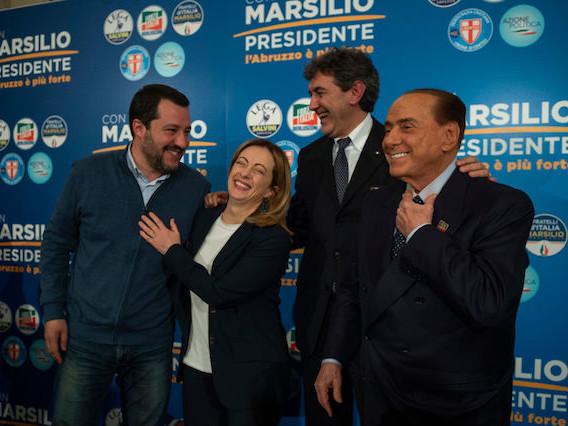 """Abruzzo al Centrodestra. Boom Lega, crolla il M5s. Salvini: """"Più forti delle bugie"""". Marsilio governatore col 48%"""