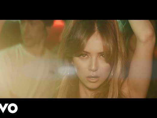 Ana Mena & Deorro – Se Te Olvidó: video ufficiale, testo e traduzione della canzone