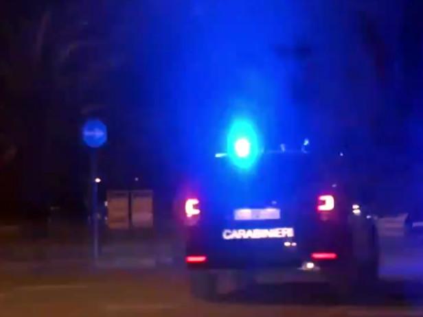 Modugno: madre minacciata di morte per un pezzo di focaccia, arrestato 22enne Accusa dei carabinieri: maltrattato anche il compagno della donna, contestata anche la resistenza a pubblico ufficiale