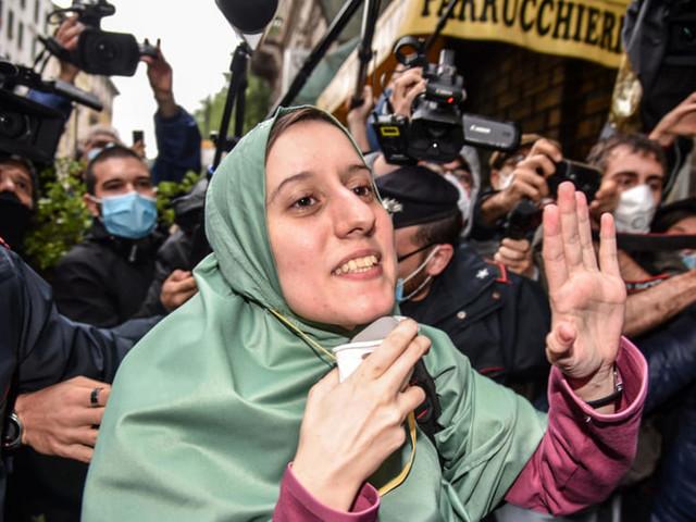 Silvia Romano, non erano minacce ma insulti: la procura chiede di archiviare l'indagine sulla campagna d'odio