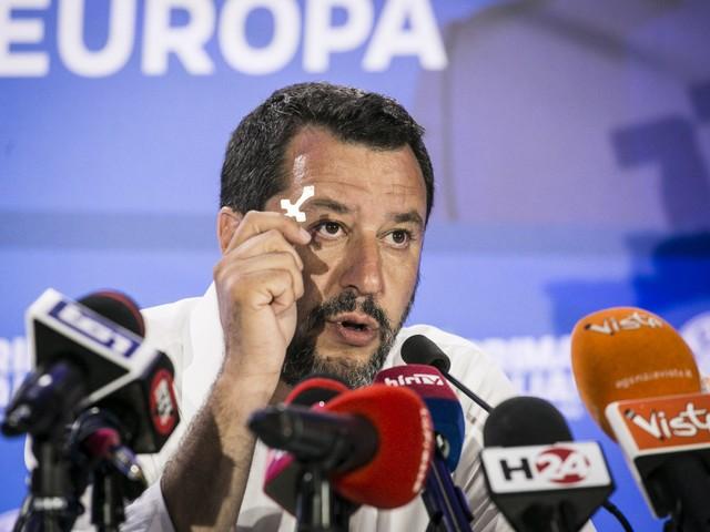 """Salvini: """"Nessun contrasto con la Chiesa. Spero di incontrare il Papa"""""""