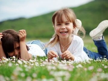 Mantenimento figli: niente condanna al padre che non versa l`assegno ma paga scuole e vacanze