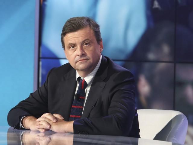 """Calenda contro Salvini: """"Bullo di cartapesta, sarai sconfitto"""""""