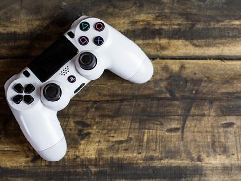 Come collegare joystick PS4