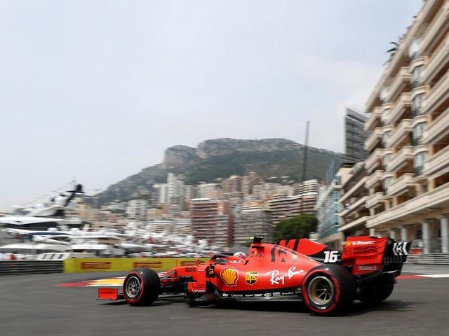 La Ferrari del paradosso si perde nel Principato tra incidenti e algoritmi