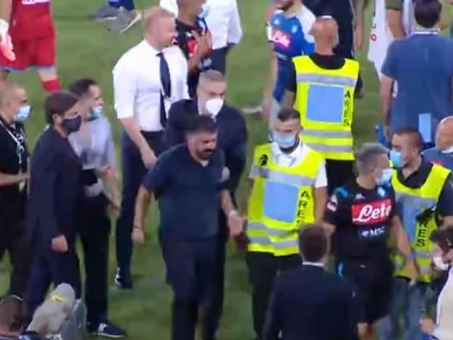 """Scintille nel finale, Gattuso furioso: """"Terrone di m***a? Dimmelo in faccia!"""" e cerca l'assistente di Inzaghi"""