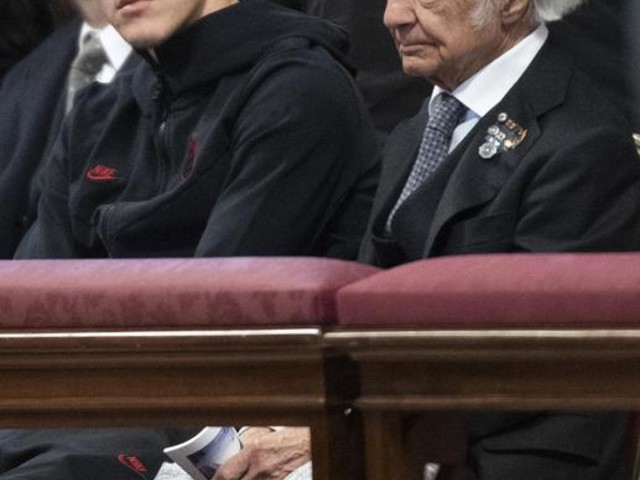 Papa: a messa anche Zichichi e Zaniolo