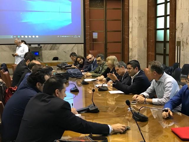 """Ilva: """"difficoltà importanti ma la trattativa prosegue domani"""" Fim-Cisl, che critica Michele Emiliano: è dall'anno scorso che chiede la sospensione"""