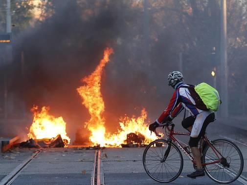 Gilet gialli: scontri a Marsiglia studenti-polizia