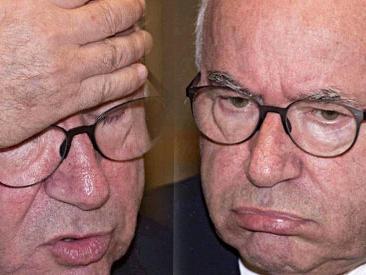 """Figc, Carlo Tavecchio si dimette. Poi è show in conferenza stampa: """"Sono qui per un atto politico, non sportivo"""""""