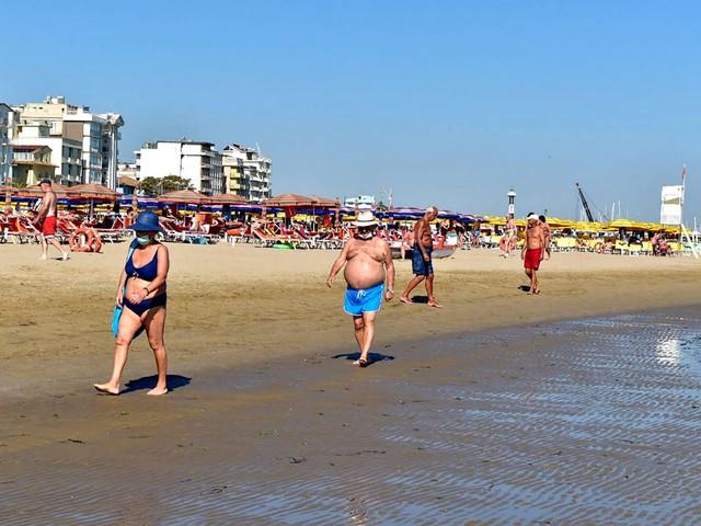 Che estate aspettarsi: il piano di Garavaglia per far ripartire il turismo