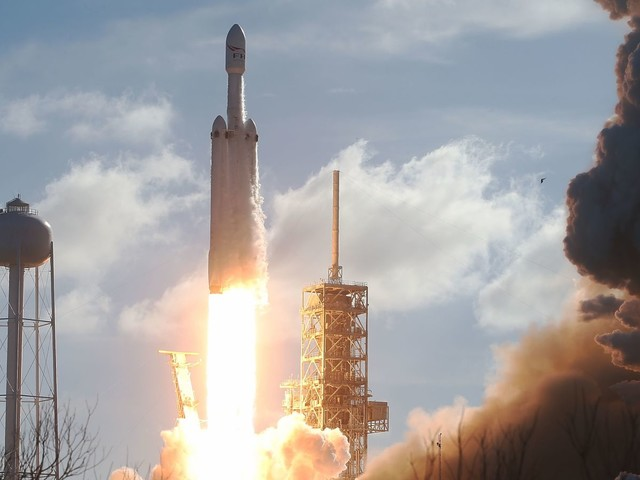Man Who Traveled to Watch SpaceX Falcon Heavy Rocket Launch Found Dead In His Hotel Room